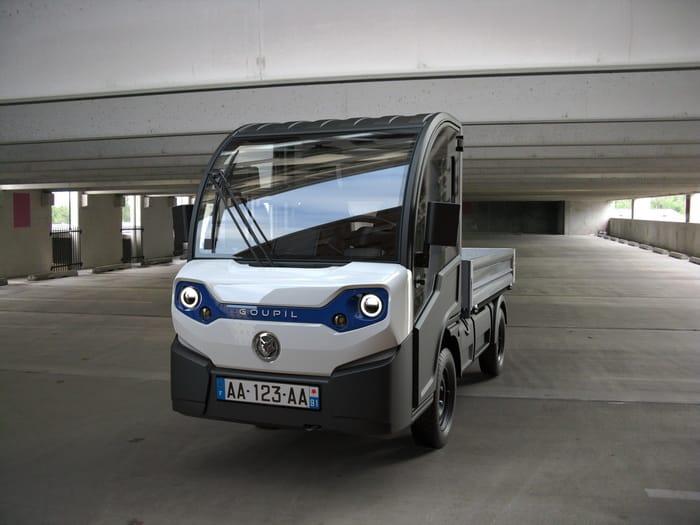 Polaris goupil G4 design transport electric